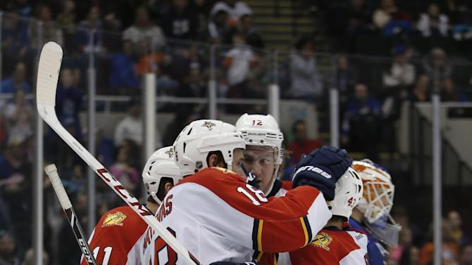 Panthers cruise past Islanders 5-3