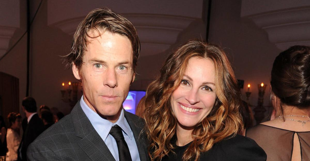 "16 Celebs Who Married ""Ordinary"" People"