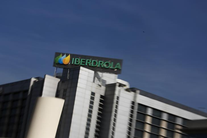 Spain's Iberdrola to buy UIL Holdings for about $3 billion