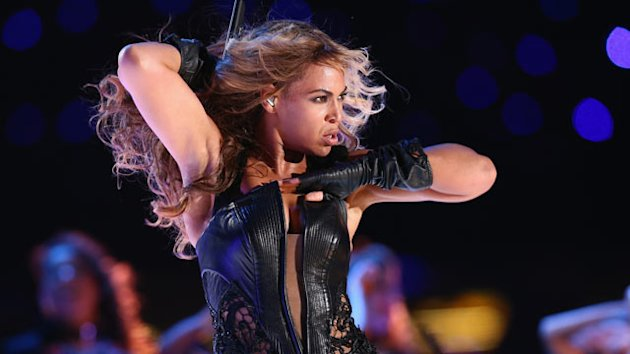 Beyonce Electrifies Super Bowl Audience (ABC News)