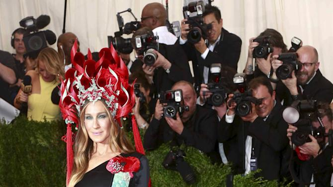 """Actress Sarah Jessica Parker arrives for the Metropolitan Museum of Art Costume Institute Gala 2015 celebrating the opening of """"China: Through the Looking Glass,"""" in Manhattan, New York"""
