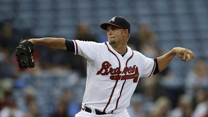 Minor, streaking Braves dominate Rockies, 9-0