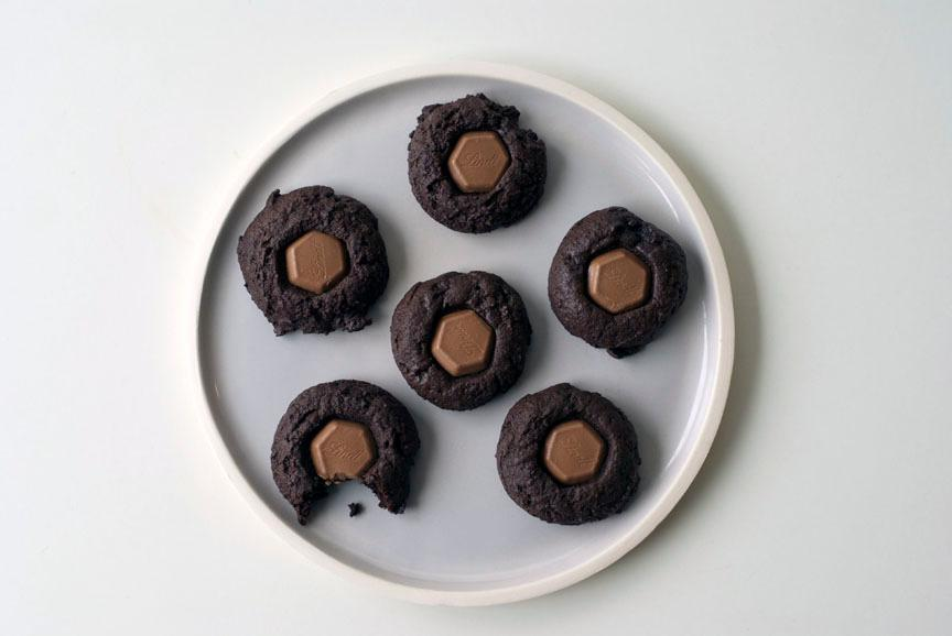 Can't Decide Between Dark and Milk Chocolate? This Cookie Has Both