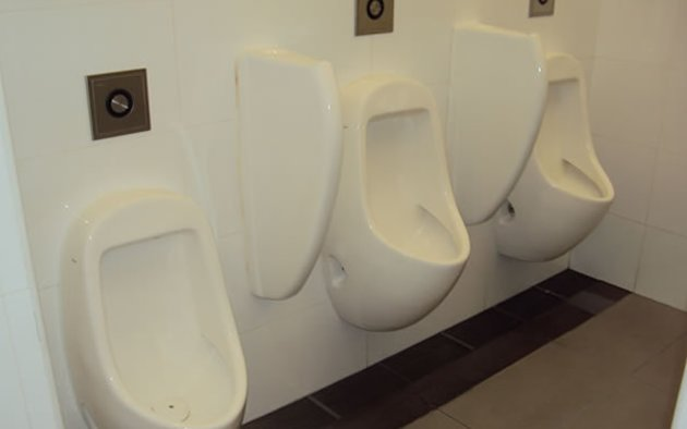 'Crowdsource rating of toilet cleanliness'