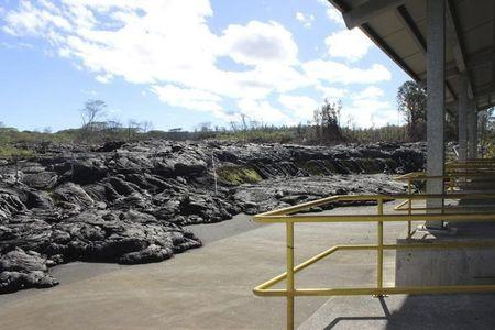 Businesses plan to reopen as Hawaii lava flow stalls