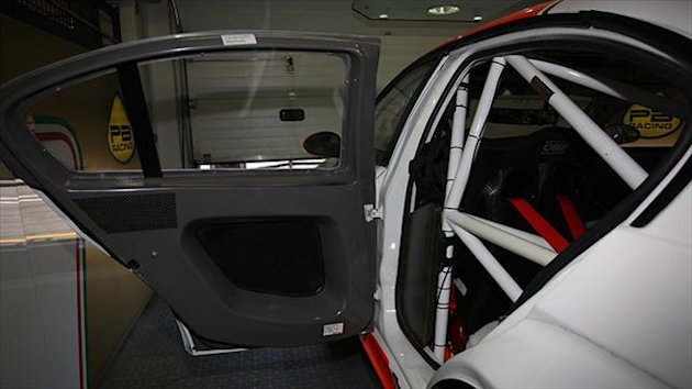 The WTCC competitors who run in BMW 320 TC cars have been allowed to mount three carbon fibre doors.
