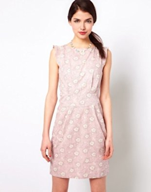 This cream and pink combo in sleeveless form makes for the perfect springtime getup.