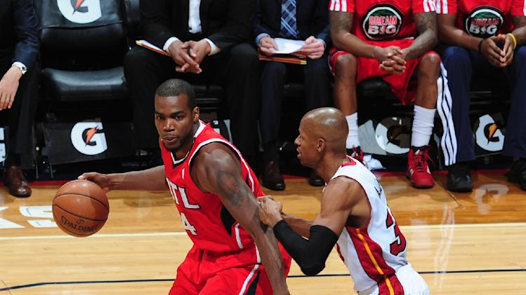 Millsap has 26, Hawks hold off Heat 121-114