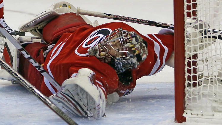 Hurricanes edge Avalanche 2-1