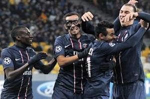 Dynamo Kiev 0-2 Paris Saint-Germain: Lavezzi double sees les Parisiens progress