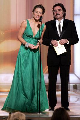 Presenters Evangeline Lilly and Ian McShane 63rd Annual Golden Globe Awards Beverly Hills, CA - 1/16/05