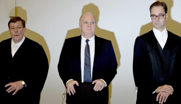 Bayern Munich President Hoeness stands between lawyers Feigen and Gotzens before start of second day of tax evasion trial at regional court in Munich