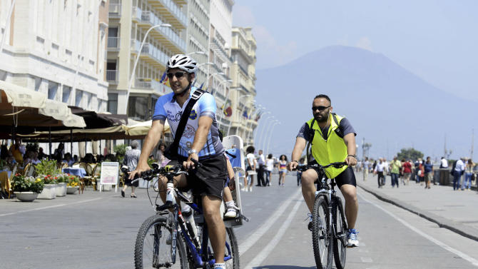 Naples, green and clean, now bike-friendly