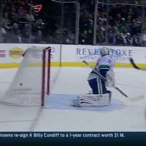 Tyler Seguin buries the breakaway on Lack