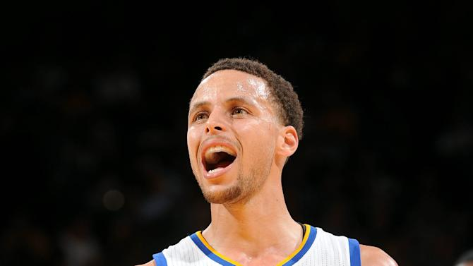 Warriors smother Wizards in 3rd quarter for 107-76 win