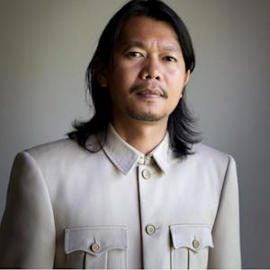 Thailand Protests: 'Red Shirts' Poet and Pro-Government Activist Kamol Duangphasuk Shot Dead