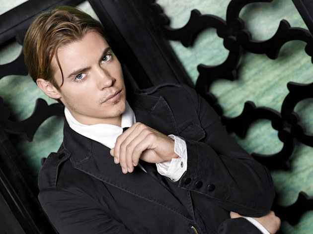 Josh Henderson stars as Austin Britt in Desperate Housewives.