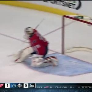 Braden Holtby makes two saves in succession