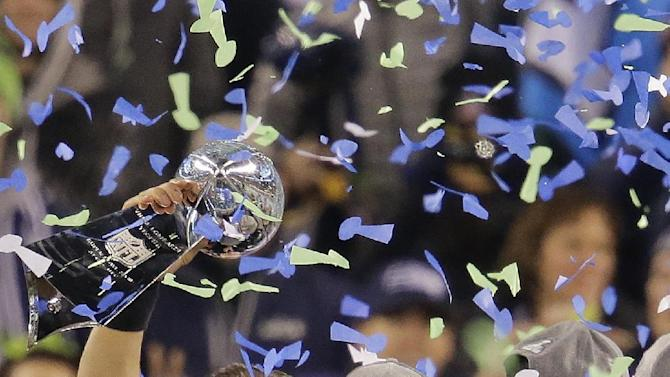 Seahawks beat Broncos 43-8 in Super Bowl