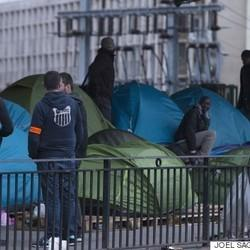 Paris Police Evacuate Hundreds Of Migrants From Makeshift Tent Camp