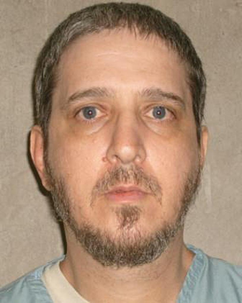 US court stays Oklahoma executions over lethal injection drug