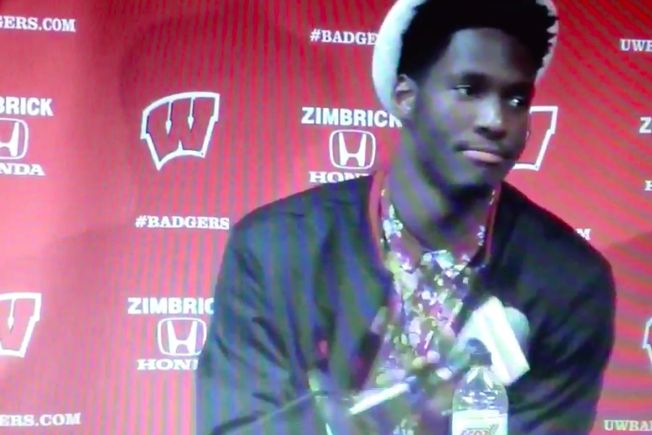 Nigel Hayes literally dropped the mic after ruthlessly owning Ohio State