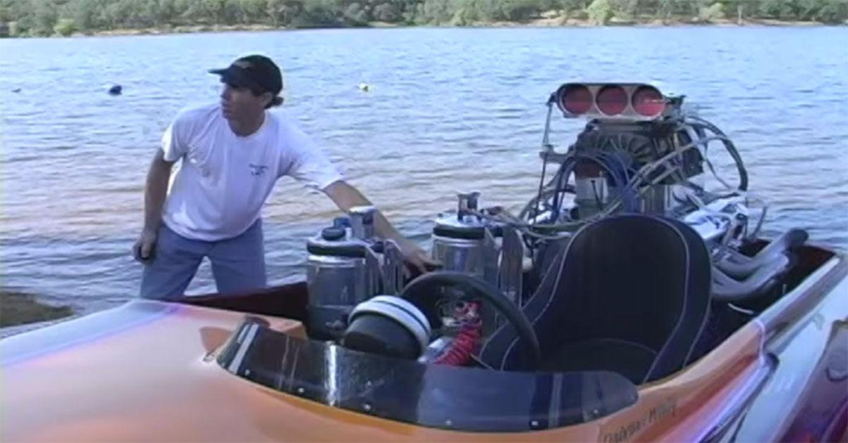 Blown V-8 Drag Boat Surprises Lake Goers!