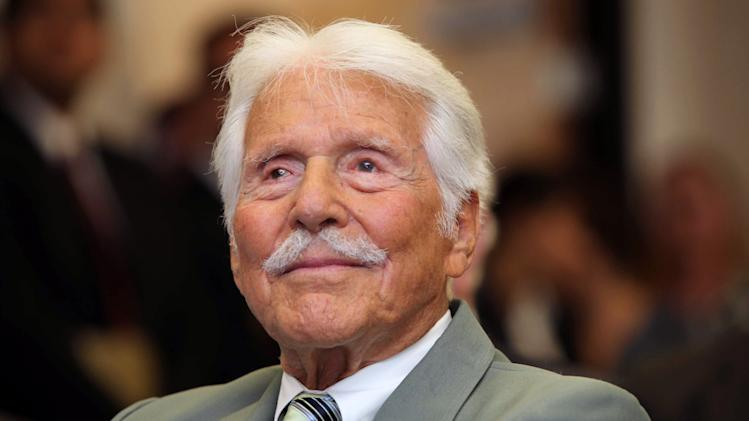 Actor Efrem Zimbalist Jr.
