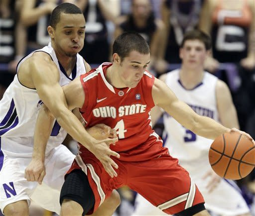 No. 10 Ohio State beats Northwestern 75-73