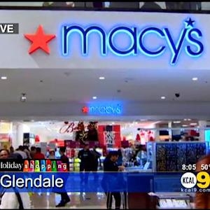 Some Retailers Expand Hours For Last-Minute Holiday Shoppers