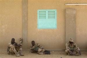 Chadian soldiers take a break during Flintlock 2014 …