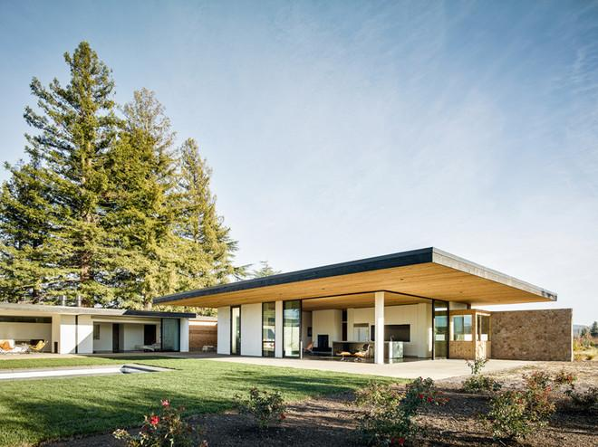 Gorgeous House Brings Modern Flair to Wine Country