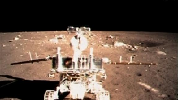 NASA Moon Probe Eyeing Chinese Lunar Lander from Orbit