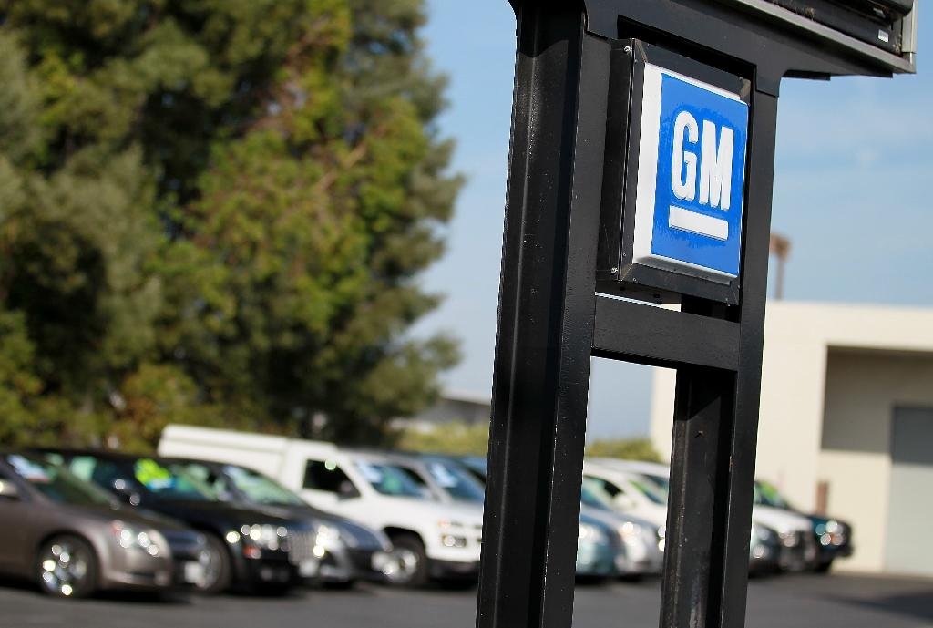 GM installs Apple CarPlay, Android Auto in more cars