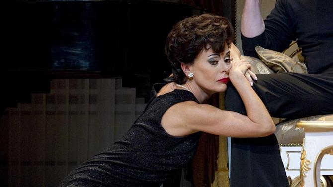 """In this undated theater image released by The O & M Company, Tracie Bennett is shown in a scene from """"End of the Rainbow,"""" in New York. Bennett is nominated for a Tony Award for female leading actress in a play.  (AP Photo/The O & M Company, Carol Rosegg)"""