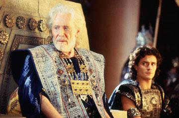 Peter O'Toole and Orlando Bloom in Warner Brothers' Troy