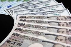 Resurgent carry trade to keep yen weak