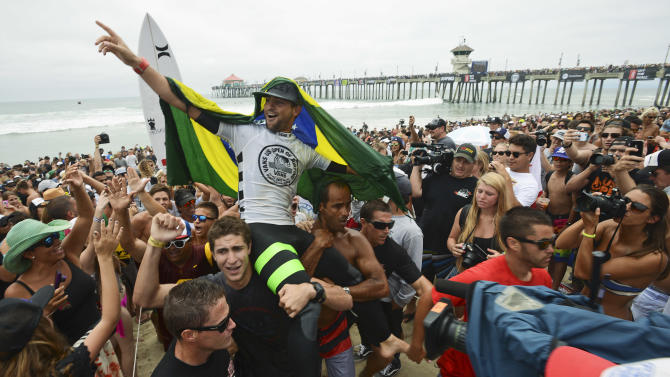 1 injured in California city after surfing contest
