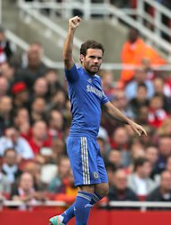 Juan Mata scored Chelsea's winner as they beat Arsenal 2-1