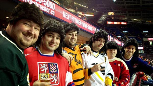 NHL fans pay tribute to Jaromir Jagr with team jerseys and mullet wigs