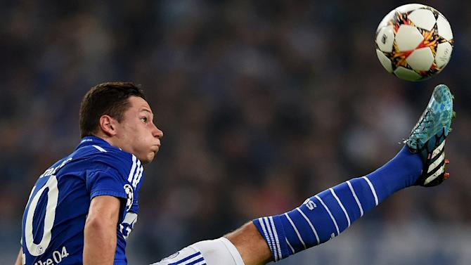 Julian Draxler, pictured in action on September 30, 2014, will join VfL Wolfsburg on a five-year contract