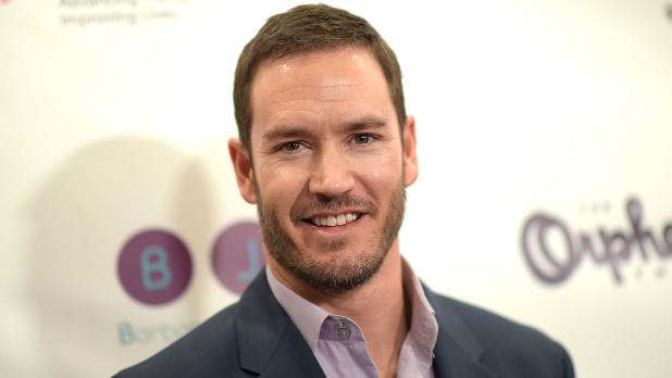 Mark-Paul Gosselaar to Star in Fox Baseball Pilot 'Pitch'