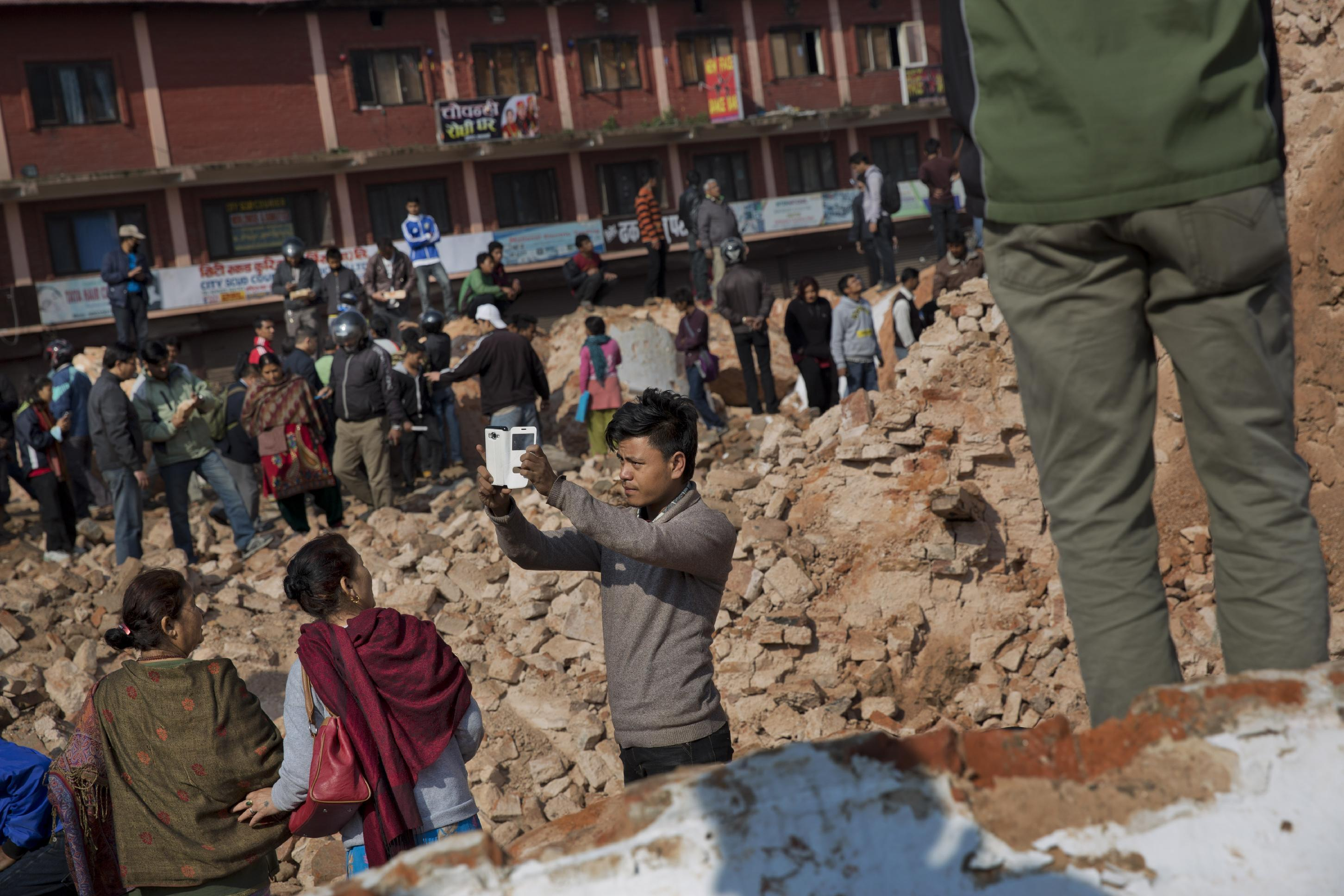 The Latest on Nepal Quake: Death toll rises to 3,617