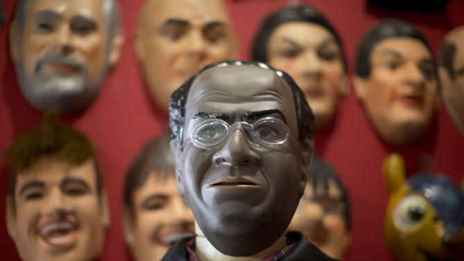 Brazil: What's behind Carnival masks and disguises