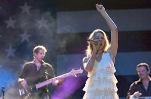 LeAnn Rimes Seeks Treatment for Mental Reasons: Other Famous Women that Did the Same