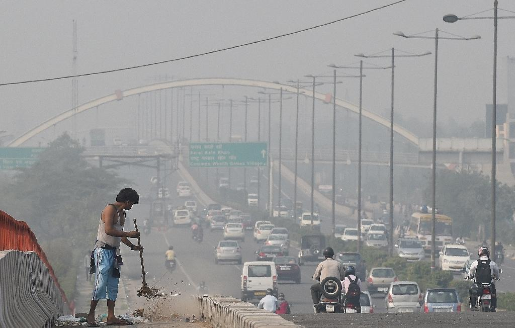 As Delhi chokes, pressure grows for Indian climate action