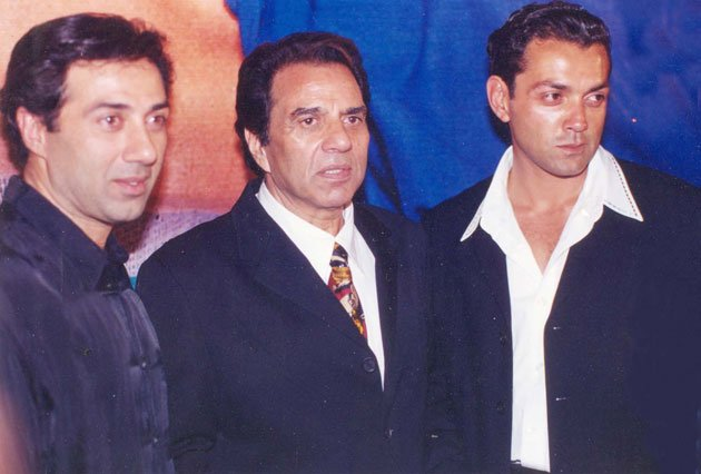 Dharmendra turns 77