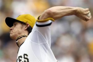 Locke, Pirates shut down Astros 1-0