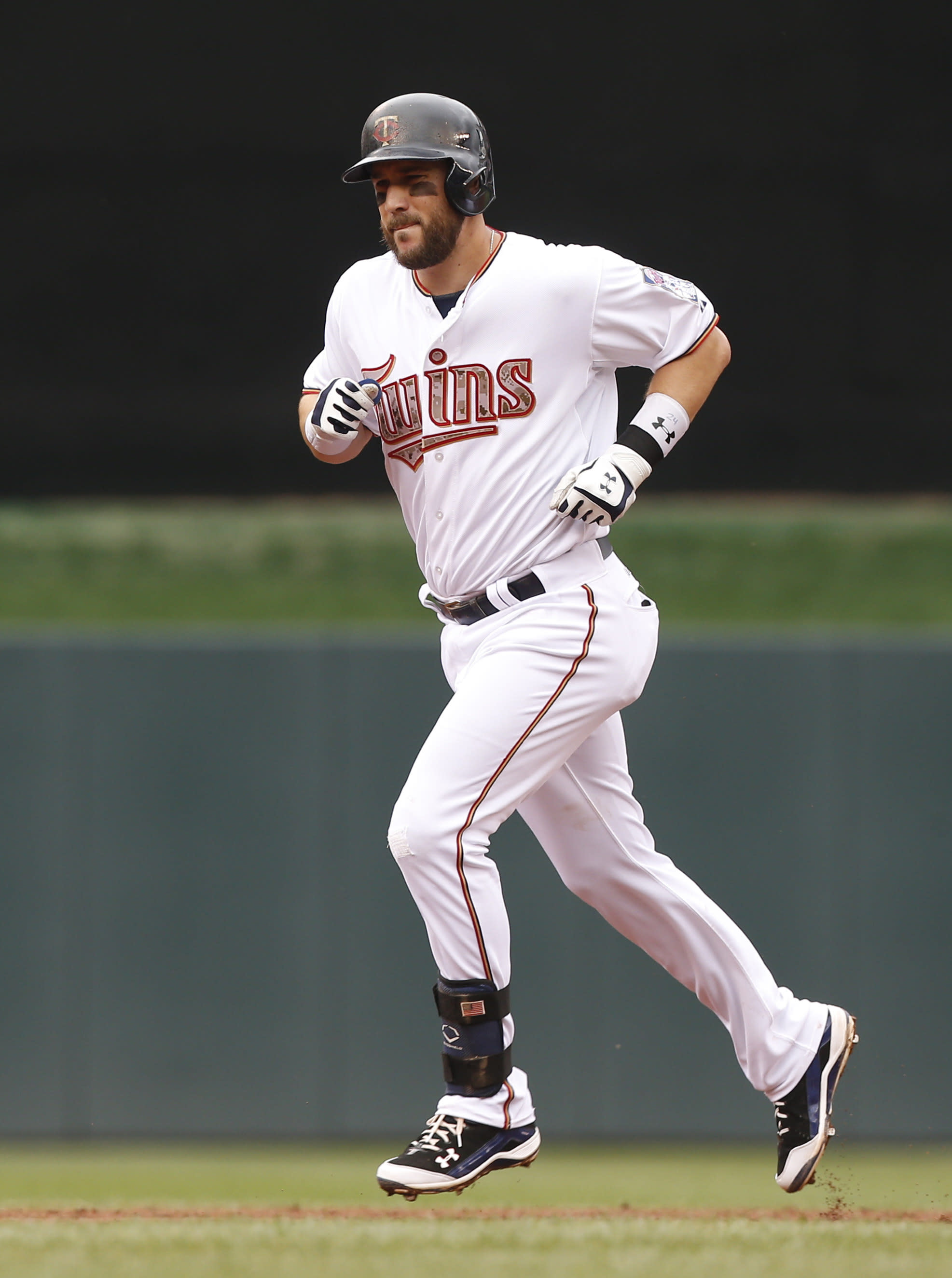 Nolasco, Plouffe help Twins stay hot in 7-2 win over Red Sox