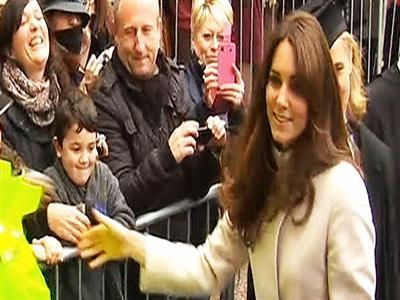 Palace says Duchess of Cambridge expecting
